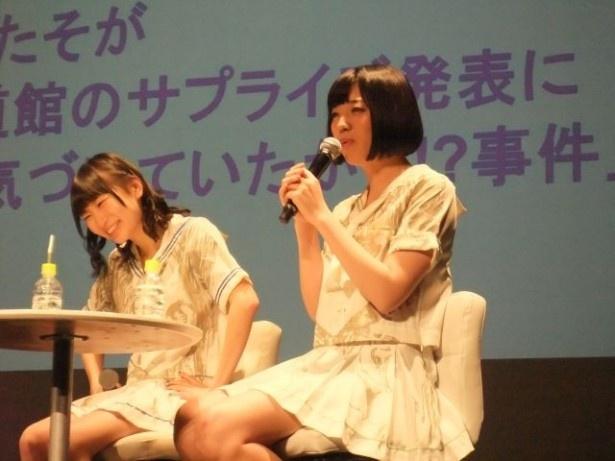 【写真を見る】「姉のほうが芸能人っぽい。なぜかでんぱ組.incの武道館ライブで姉と写真撮影する列ができていた」と明かした夢眠ねむ(右)