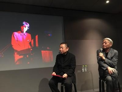 YMOの写真もスクリーンに映し出された