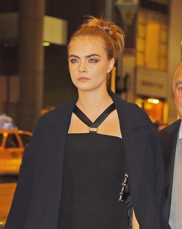 モデルのカーラ・デルヴィーニュもSNSで乳首露出がOKになるべきと主張