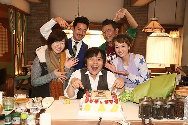 11月28日(金)に39歳の誕生日を迎えるバカリズムを祝う、竹野内豊ら「素敵な選TAXI」のレギュラー陣たち