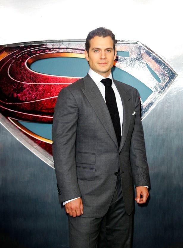 ちなみにスーパーマン役はヘンリー・カヴィルが演じる