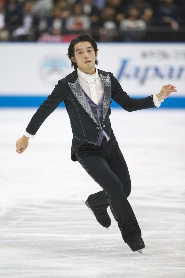 【写真を見る】10月に行われたジャパンオープン2014での無良崇人の演技。今季は絶好調!NHK杯では初優勝を目指す