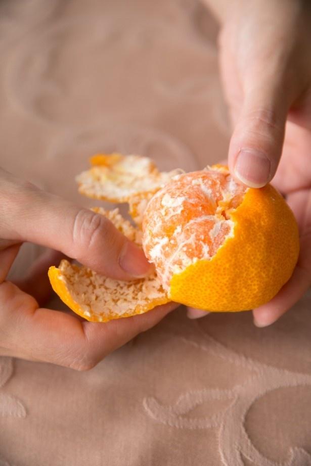 みかんの皮の内側にある白い筋は栄養満点。