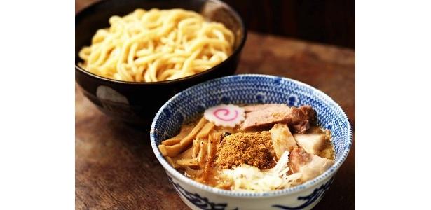東京で行列のできるつけ麺店「六厘舎」のつけめん(¥850)