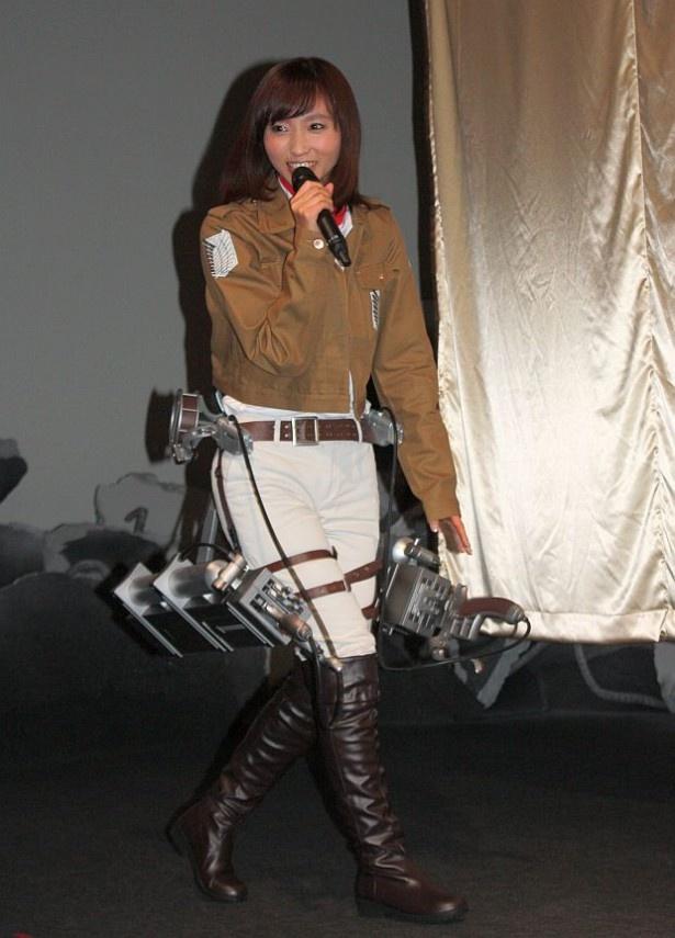 オープニングセレモニーにミカサの衣装で登場した吉木りさ