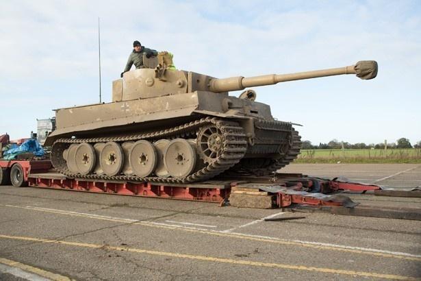 本作には世界に1台しかない唯一稼働するティーガー戦車も登場