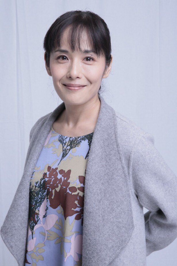 山口智充演じる主人公・花咲慎一郎の元妻・麦子を演じる富田靖子