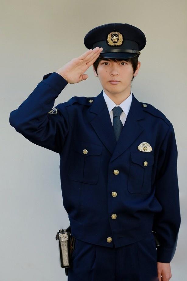 花咲慎一郎が営む保育園のほど近くにある交番の警官・脇坂役を務める古原靖久