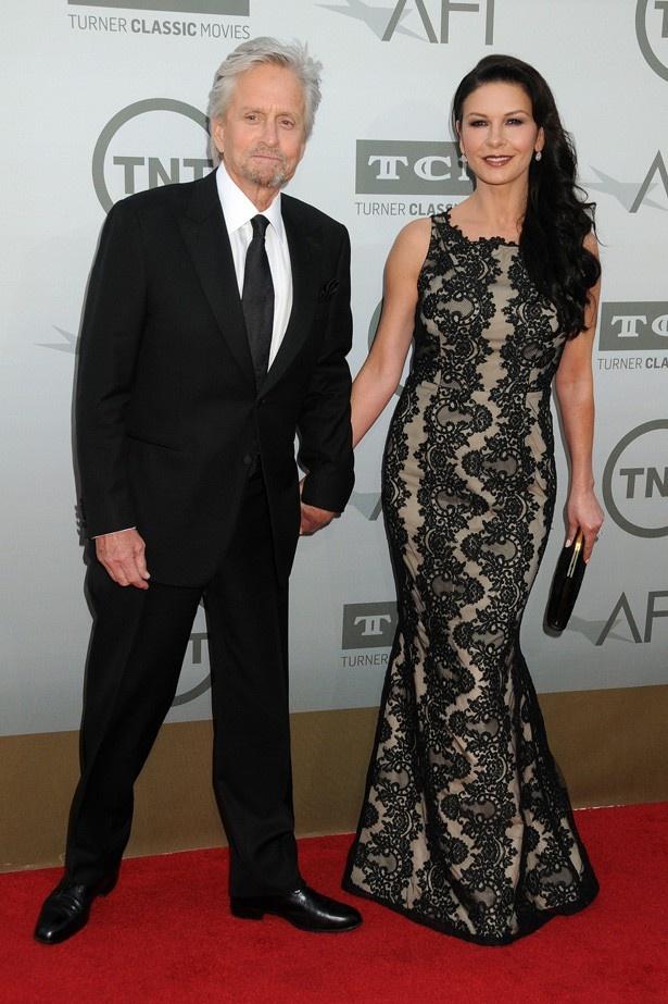 【写真を見る】マイケルとキャサリンはハリウッド指折りの仲睦まじいカップル