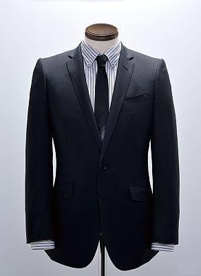 このオシャレ・スーツが2万9400円!