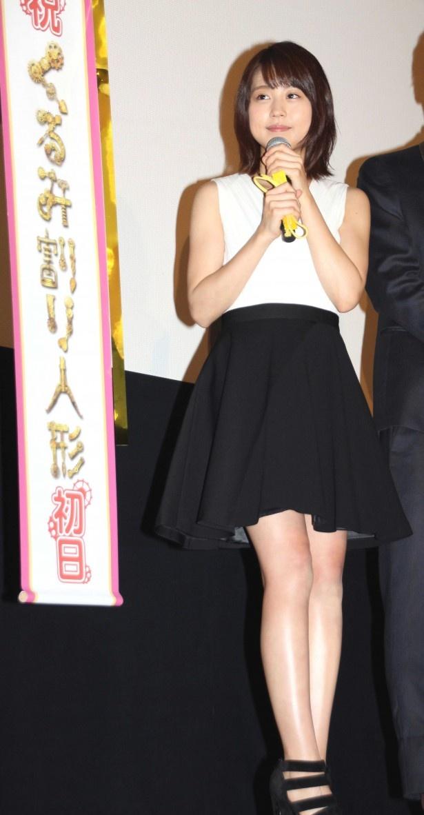 映画「くるみ割り人形」の初日舞台あいさつに登壇した有村架純