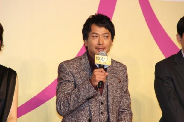 週刊誌の記者・蒔野抗太郎役の椎名桔平