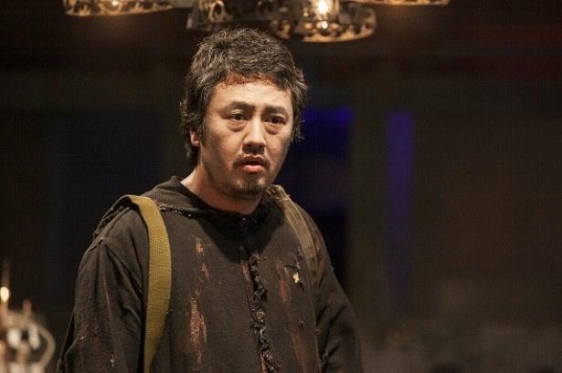 赤堀雅秋は、廻博士(小澤征悦)につくられた人造人間役