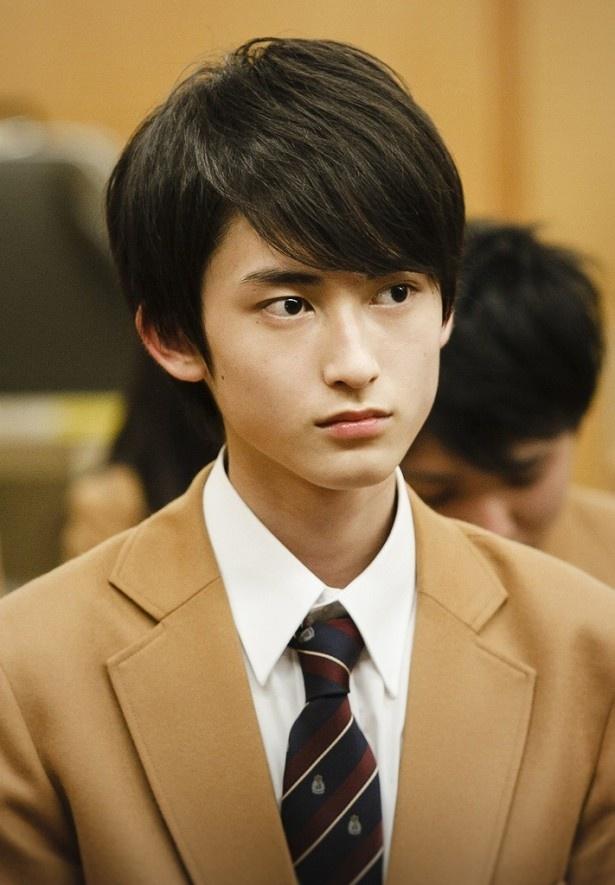 秋子(坂井真紀)の生徒・神楽育朗を演じる松井健太