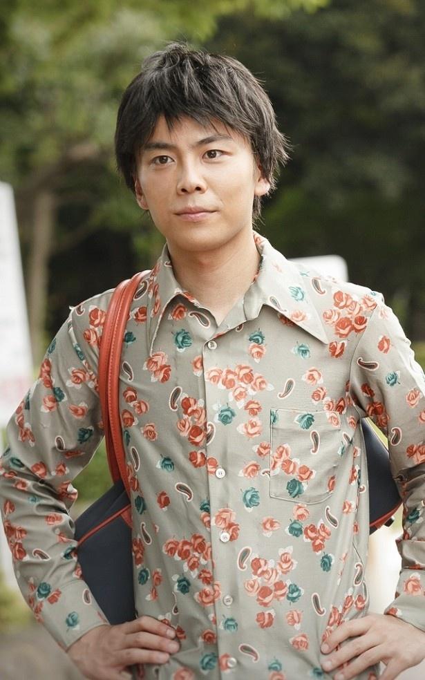 冬(緒川たまき)の劇団の後輩・九十九一人を演じる森岡龍