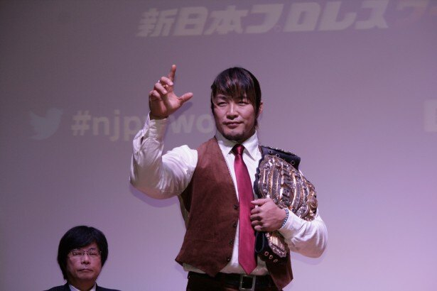 「新日本プロレスワールド」の会見に登場し、サービスをアピールしたIWGPヘビー級王者の棚橋弘至選手