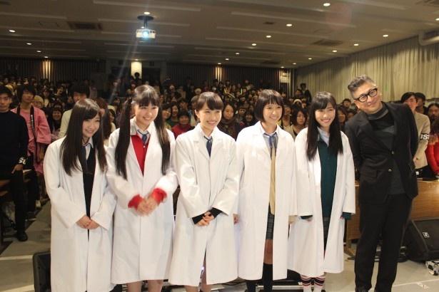 ももクロが武蔵野美術大学の特別講義に登場!