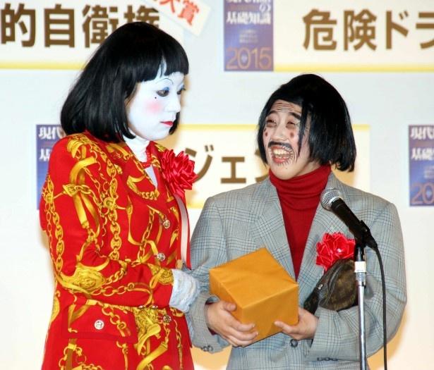 細貝さん役の中野聡子(写真左)が、「さすがに隣で聞いていてもうんざりしますから」とぽろり