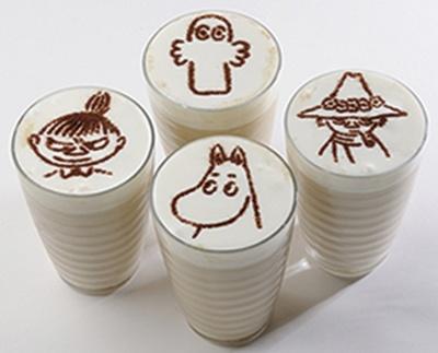 【写真を見る】ムーミンカフェが期間限定で関西に初登場!「シルエットオレ」は、ホットとアイス共に各580円
