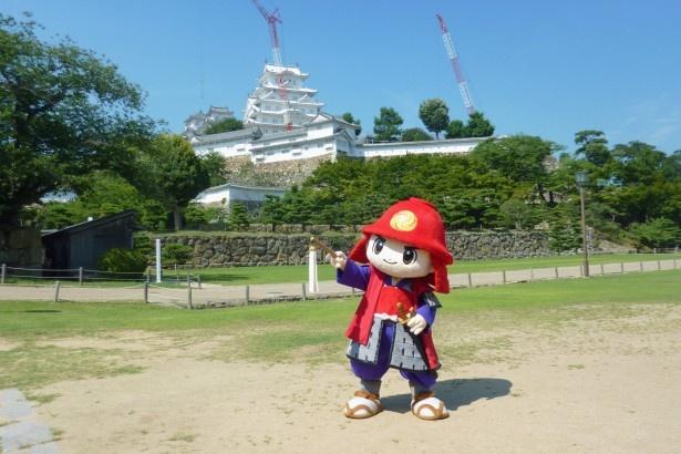 官兵衛が生まれ育った兵庫県姫路市のイメージキャラクターかんべえくん