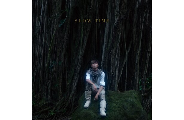 New Single「SLOW TIME」(初回限定生産盤CD+DVD)ジャケット写真