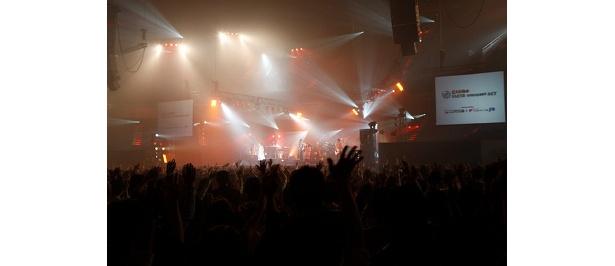 ライブは会場全体が一体となり盛り上がった!