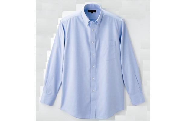 「スーパーノンアイロンシャツ」(無地、3990円)