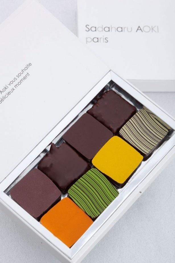 2014年のC.C.C.コンクールで、金タブレットを獲得したショコラがすべて詰まった「アソーティモン アワード(8個入り)」(4320円)。新宿伊勢丹のサロン・デュ・ショコラ限定で販売