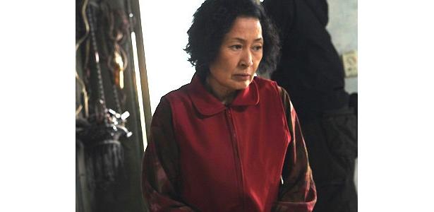 """母親役のキム・ヘジャは""""韓国の母""""と称されるほどの大女優"""