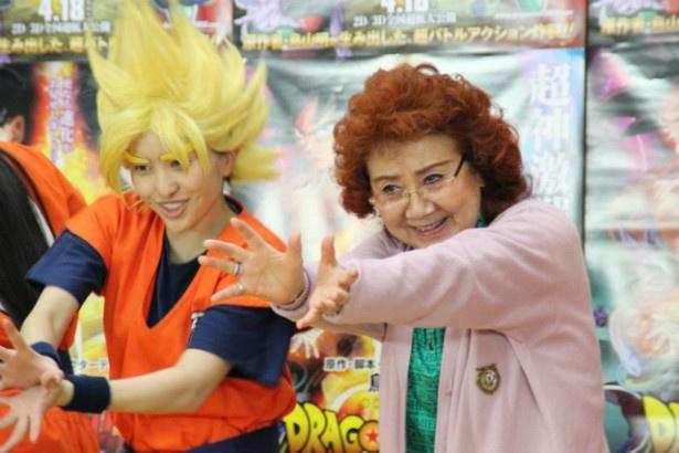 野沢雅子が、かめはめ波を指導 野沢雅子が、かめはめ波を指導 映画 ももクロ、野沢雅子と「ドラゴン