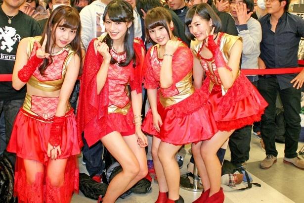 初お披露目のステージを終えた新生GALETTe。左から、ののこ、四島早紀、古森結衣、期間限定サポートメンバーの藤田あかり