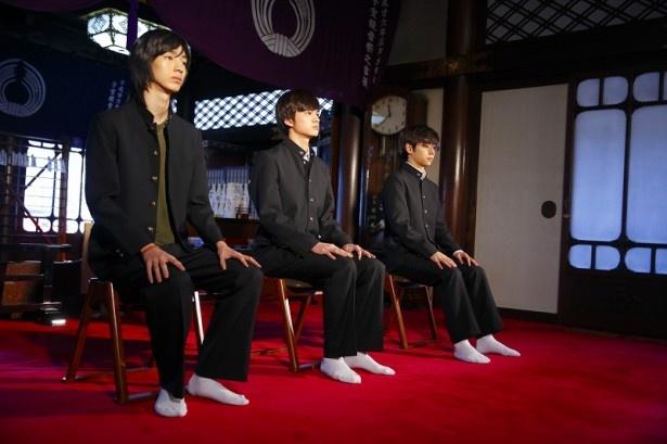 「連続ドラマW 天使のナイフ」のヒット祈願と不良少年の更生祈願に出席した(左から)清水尋也、北村匠海、村上虹郎