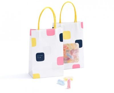 おなじみの「カンロ飴」や「ピュレグミ」がファッショナブルに変身した「ヒトツブ カンロ」では、大阪限定のパッケージも登場する