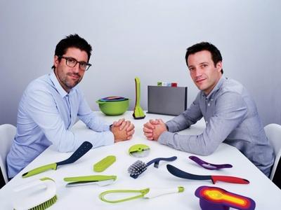 ロンドン発のキッチンツールブランド「ジョゼフジョゼフ」をフルラインアップで展開する「グリューセン」は、料理が楽しくなりそうな生活雑貨が豊富