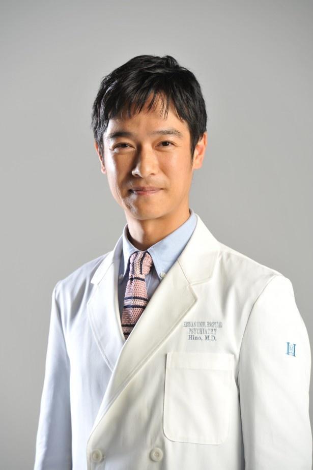 新ドラマ「Dr.倫太郎」(日本テレビ系)で精神科医・日野倫太郎を演じる堺雅人の白衣姿を初公開