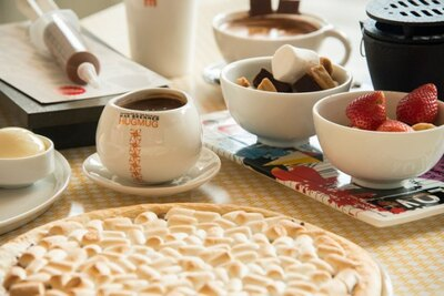 【写真を見る】西日本に初上陸する話題のチョコレートブランド「マックス ブレナ― チョコレートバー」は、ちょっとしたプレゼントにもおすすめの商品がそろう