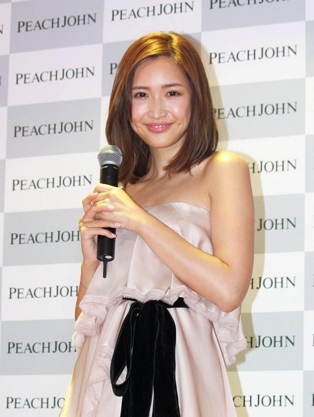 ピーチ・ジョン新ミューズのお披露目会に出席した紗栄子
