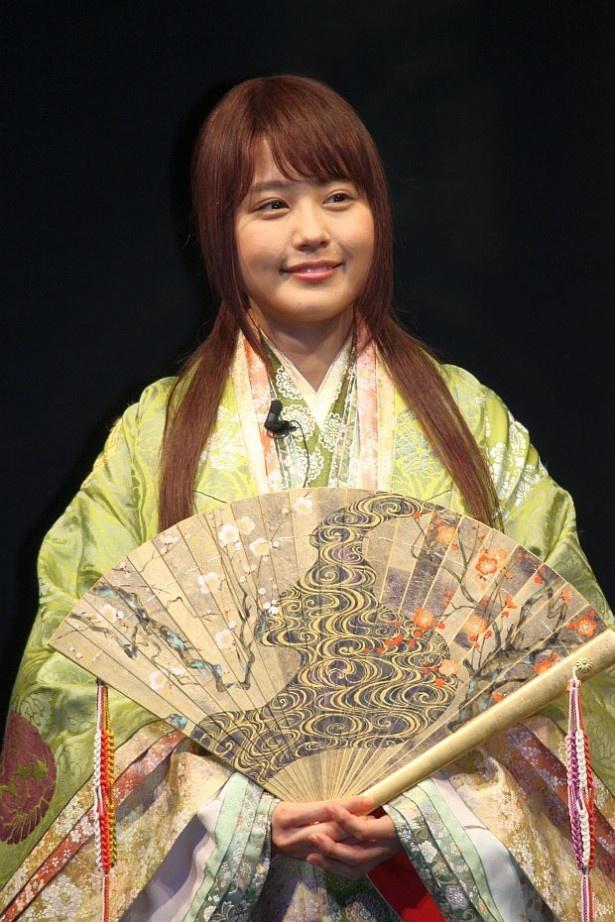 CMではかぐや姫が桃太郎に「私と家族になろっ?」と持ちかける