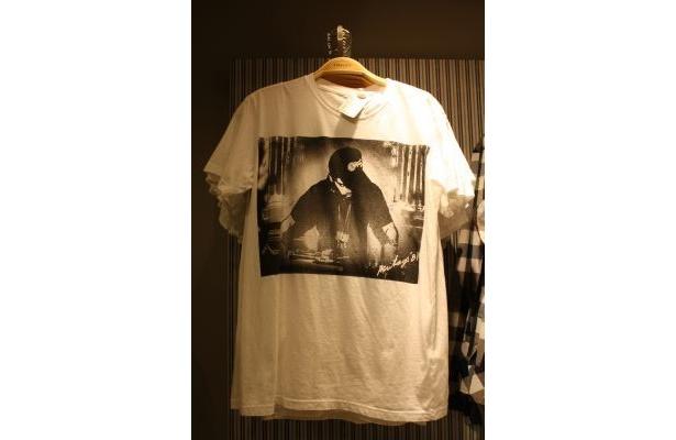 プリントがかっこいいメンズTシャツは1790円