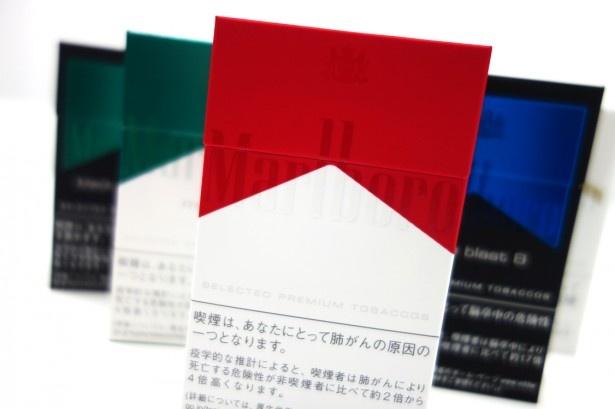 【写真を見る】手触りのいいパッケージと新開発のフィルターを用いた「Marlboro」シリーズ