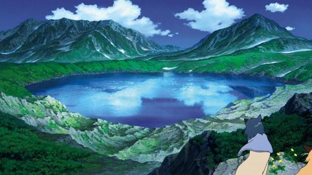 【写真を見る】本物とそっくり!「おおかみこどもの雨と雪」の山中を駆け回るシーン