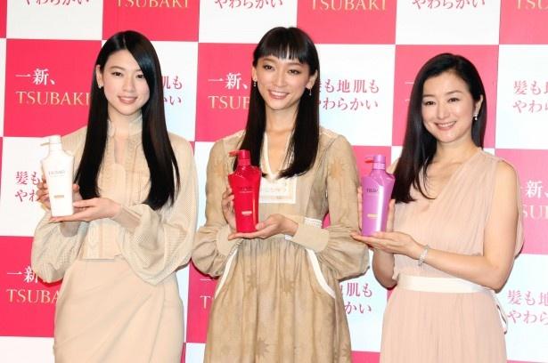 新CM発表会に登場した三吉彩花、杏、鈴木京香(写真左から)