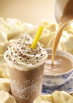 「ショコリキサー 復活総選挙」参加フレーバーの「ホワイトチョコレート ロイヤルミルクティー」(2013年3月発売)。ウバ茶100%使用で、紅茶の風味がホワイトチョコと合った1杯