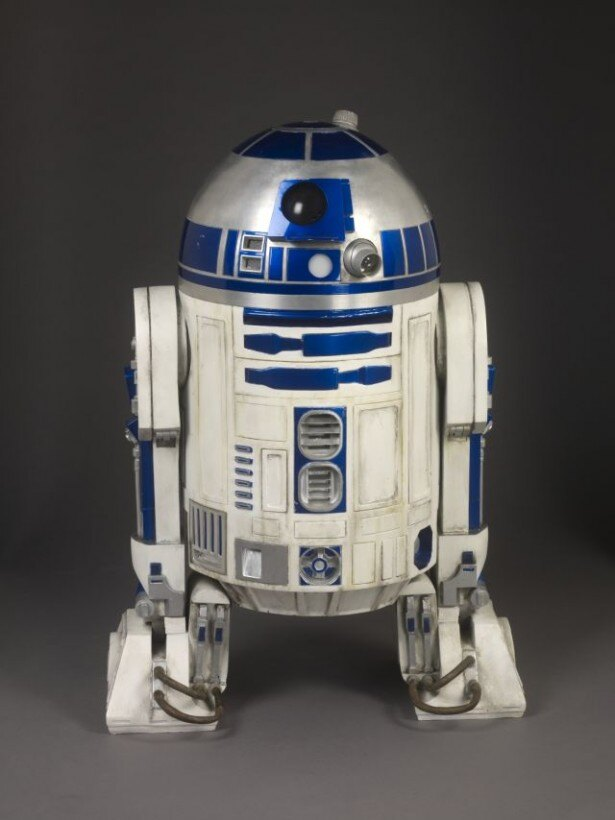C-3POとR2-D2の名コンビが過去6作を振り返る壮大なスター・ウォーズ・サーガの一端を映像にて公開