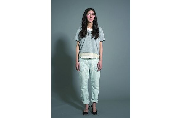 重ね着でナチュラルにも着られるのがポイント/カロリナ グレイサー