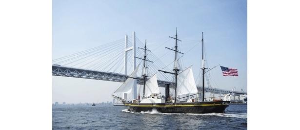 ベイブリッジと黒船のコラボ