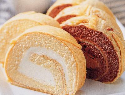 地元で人気の菓子処 清月のイタリアンロール プレーン(¥1365)を限定販売