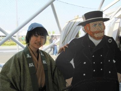 弁士さんが、開国時代の横浜を教えてくれるぞ!