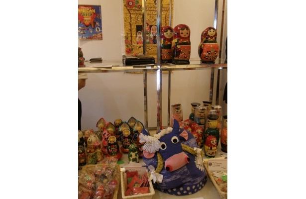 赤レンガ会場内「ワールドマーケット」より、ロシアのお土産品。横浜高島屋が出店していました