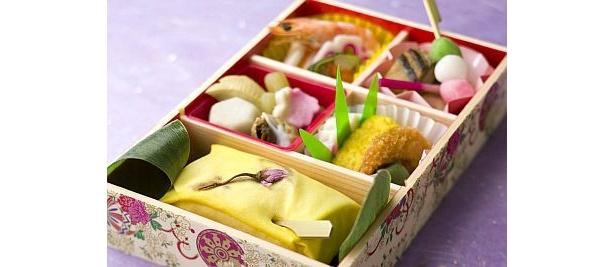 華やかな「京・茶巾寿司弁当」(2100円)